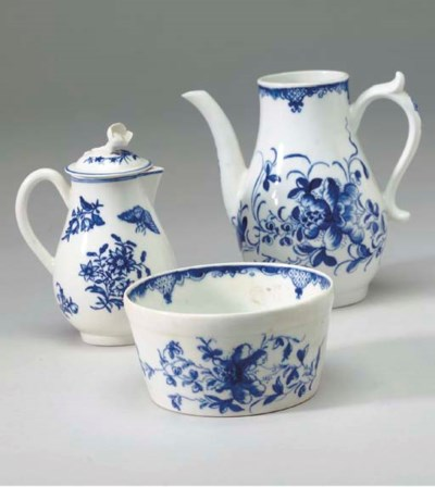 TWO WORCESTER PORCELAIN BLUE A