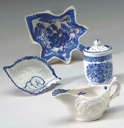 A GROUP OF ENGLISH PORCELAIN P