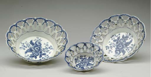 THREE WORCESTER PORCELAIN BLUE