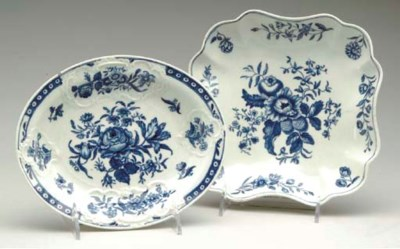 FIVE WORCESTER PORCELAIN BLUE