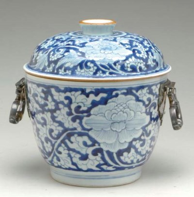 A SILVER-MOUNTED CHINESE BLUE