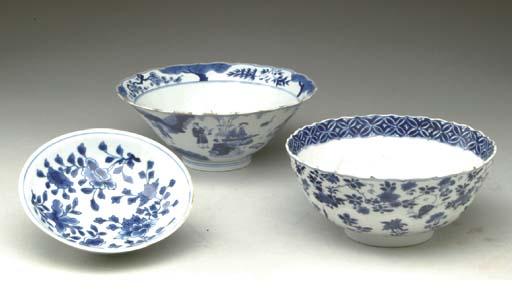 THREE BLUE AND WHITE BOWLS,