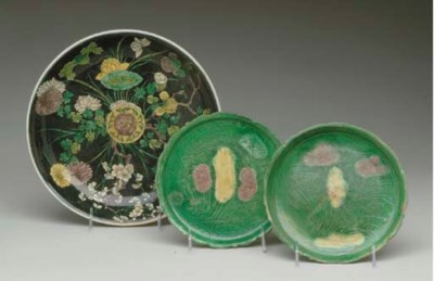 THREE FAMILLE VERTE DISHES,