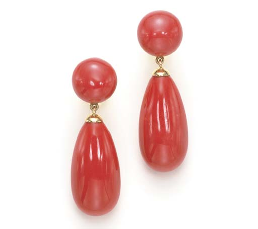 **A PAIR OF CORAL AND 18K GOLD