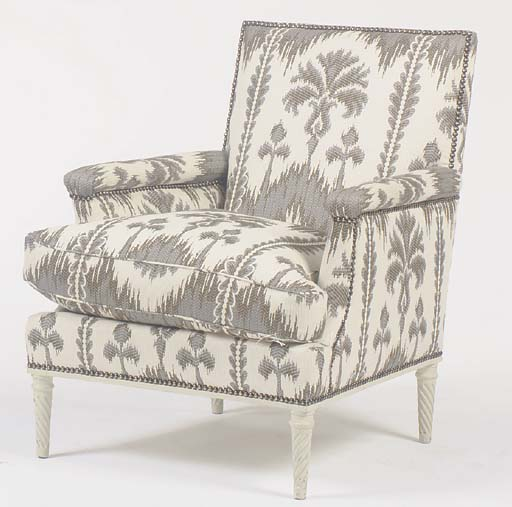 A PAIR OF 'FERN' DECORATED WHI