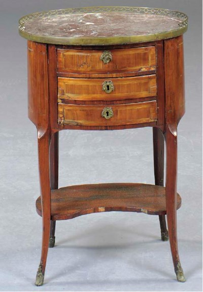 A LOUIS XV STYLE KINGWOOD AND