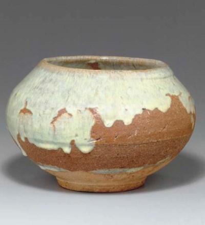 A Kainei-type Glazed Pottery J