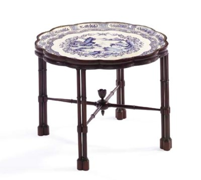 A CHINESE CANTON ENAMEL BLUE A