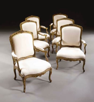 A PAIR OF LATE LOUIS XV FAUTEU