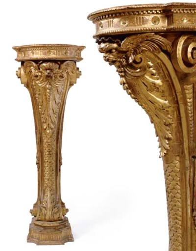 A PAIR OF ITALIAN GILTWOOD PED