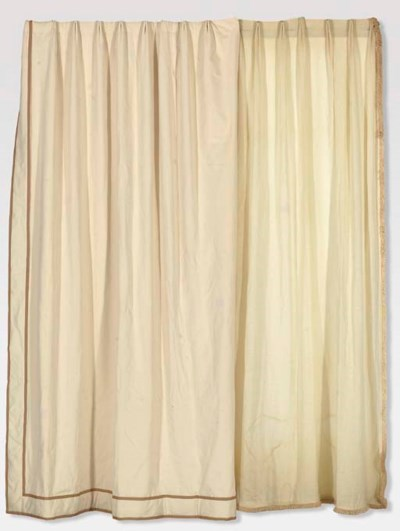 A LARGE GROUP OF BEIGE CURTAIN