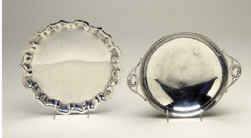 A JENSEN STYLE SILVER BOWL AND FOUR PLATTERS,
