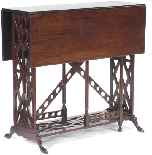 AN ENGLISH MAHOGANY FRETWORK CARVED DROP LEAF TABLE,