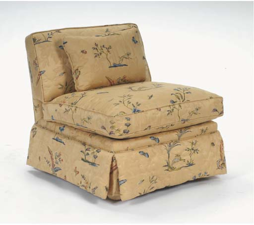 A PAIR OF CONTEMPORARY QUILTED UPHOLSTERED SLIPPER CHAIRS,