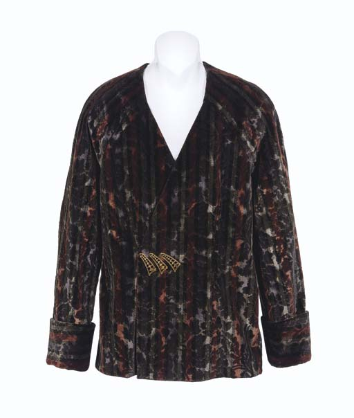 DATA'S SMOKING JACKET