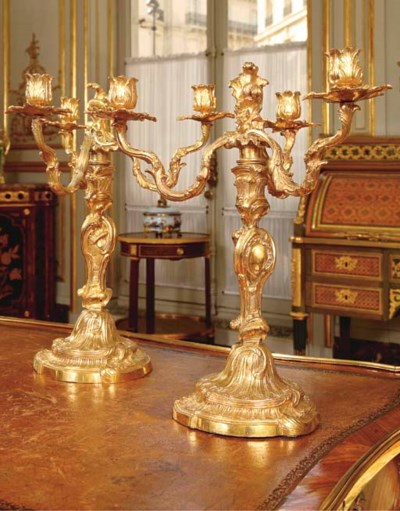 A PAIR OF LOUIS XV ORMOLU THRE