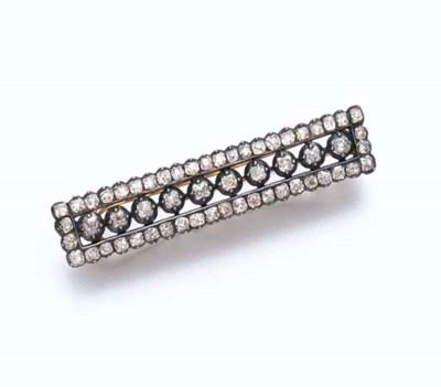AN ANTIQUE DIAMOND BARRETTE