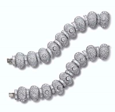 A PAIR OF DIAMOND BRACELETS, B