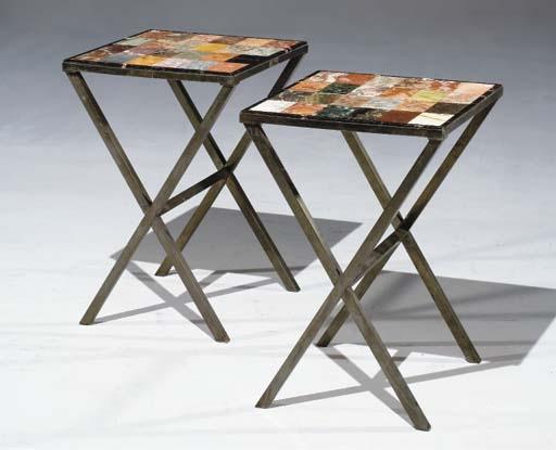 PAIRE DE TABLES