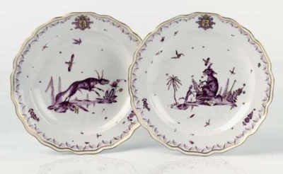 A pair of Meissen armorial pla