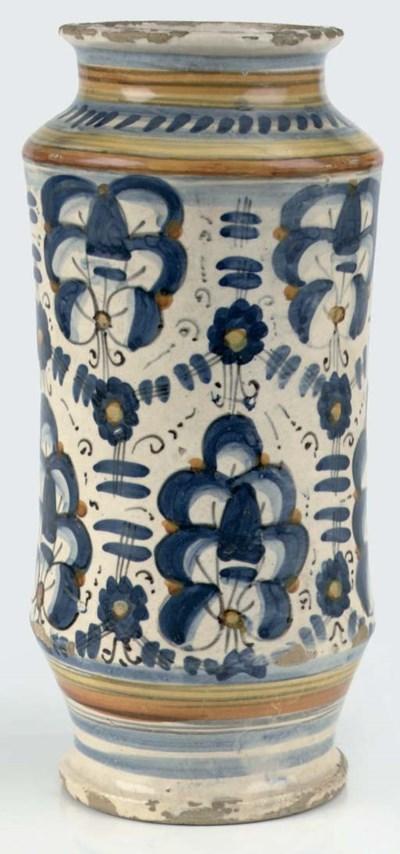 A Tuscan maiolica waisted alba
