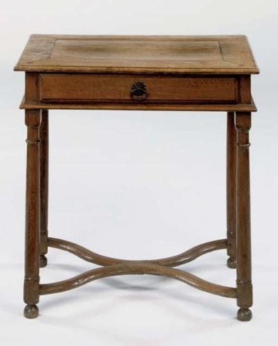 AN OAK SIDE TABLE