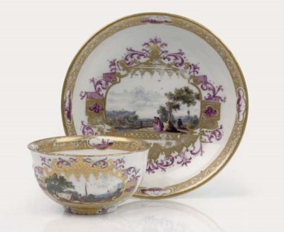 A Meissen teabowl and saucer