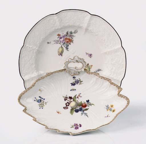 A Meissen plate and a leaf-sha