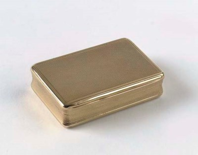 An english 18 KT. gold snuff-b