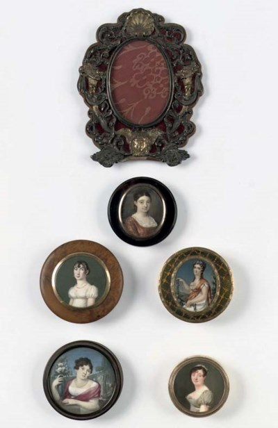 Five various snuff-boxes and a