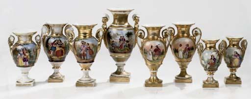 Eight Paris or Italian porcela