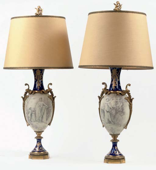 A PAIR OF ORMOLU-MOUNTED, PAIN