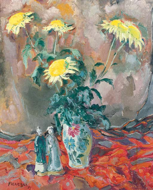 Bloemen - A still life with flowers and a Japanese sculpture