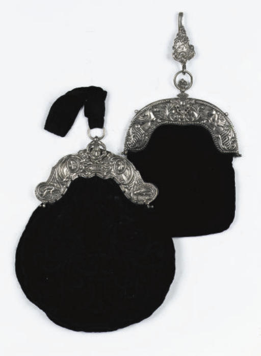 Two dutch silver bag-mounts