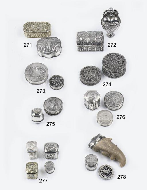 A Dutch silver filigree boite-
