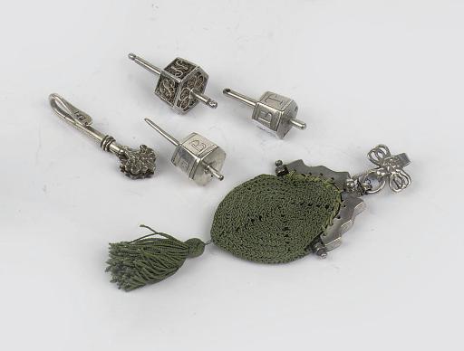 A dutch silver miniature bag-m