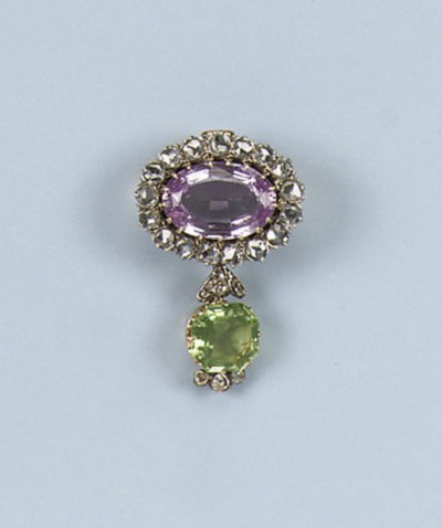 AN ANTIQUE TOPAZ, PERIDOT AND