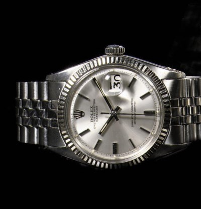 A STAINLESS STEEL AUTOMATIC WA