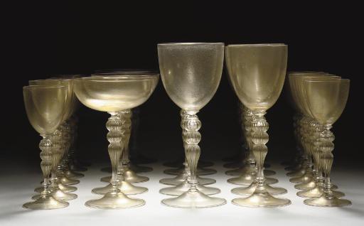 An extensive 'powdered gilt' Murano glass service