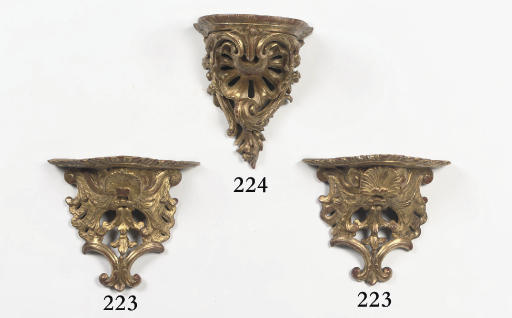 A FRENCH CARVED GILTWOOD WALL