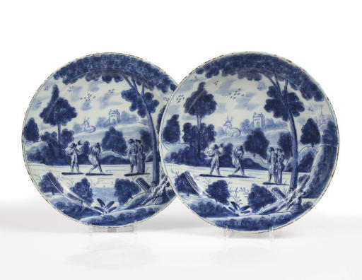A pair of Dutch Delft blue and