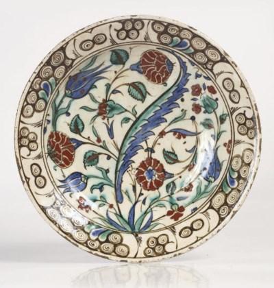An Iznik pottery dish