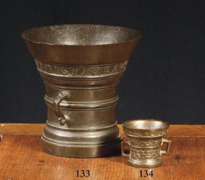 A Dutch bronze miniature morta