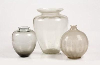 An assorted lot of Leerdam vas