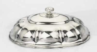 A Dutch silver cloche