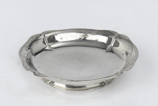 A Dutch silver strawberry dish