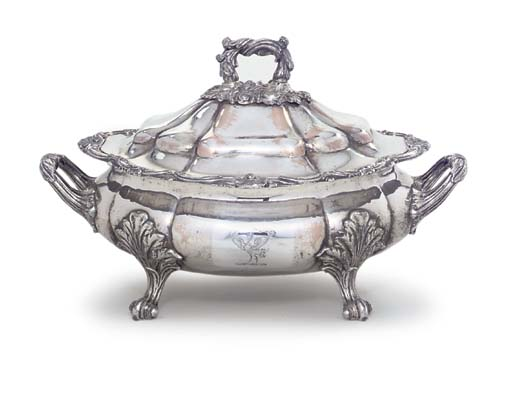 A GEORGE IV OLD SHEFFIELD PLATE SOUP-TUREEN AND COVER