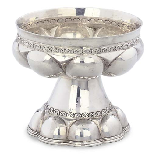 A GEORGE V SILVER FONT-CUP