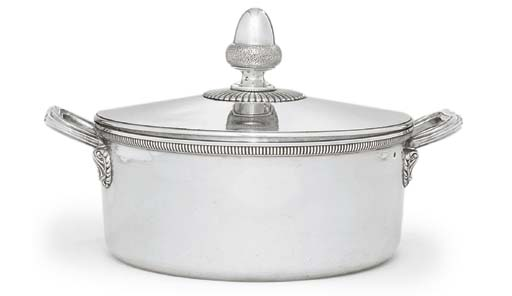 A FRENCH SILVER VEGETABLE-DISH