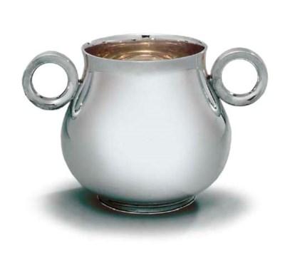 A GEORGE V SILVER OX-EYE CUP